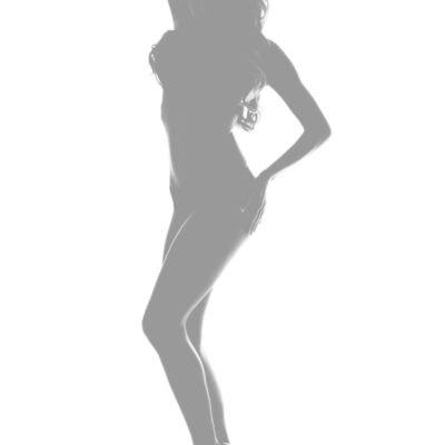 Silhouette,Of,A,Sexy,Woman,Modeling Escort Travesti Barcelona